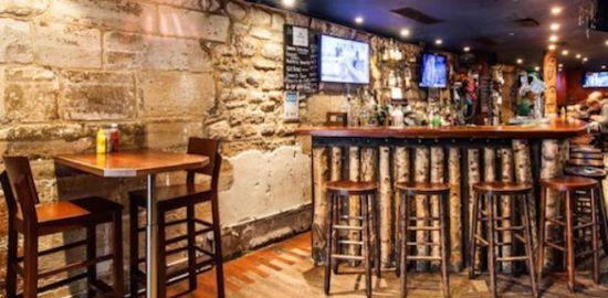 Paris - Afterwork bar canadien célibataire