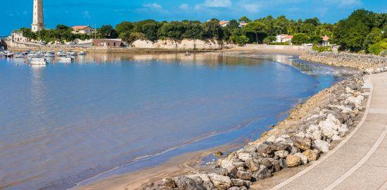 FRANCE La Charente les pieds dans l'eau