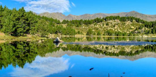 FRANCE Entre lac et montagne